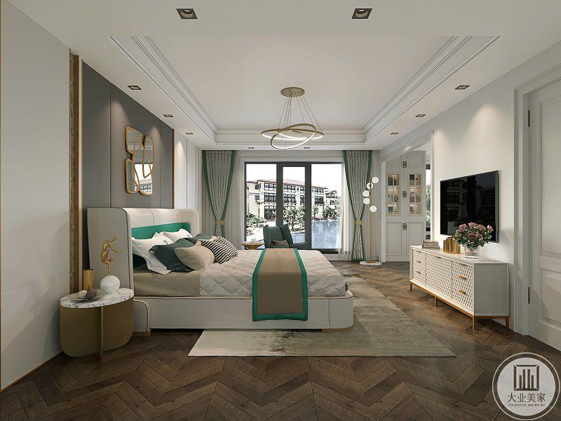 """卧室留白不代表空着,留出的""""白""""也是一种设计,在高级灰空间中,信息越多,越难把握,可以去掉没有意义的元素,突出主要元素,让留白显得更加奢侈。"""